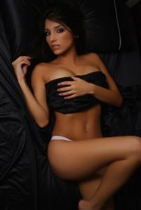 Melissa Soria nue